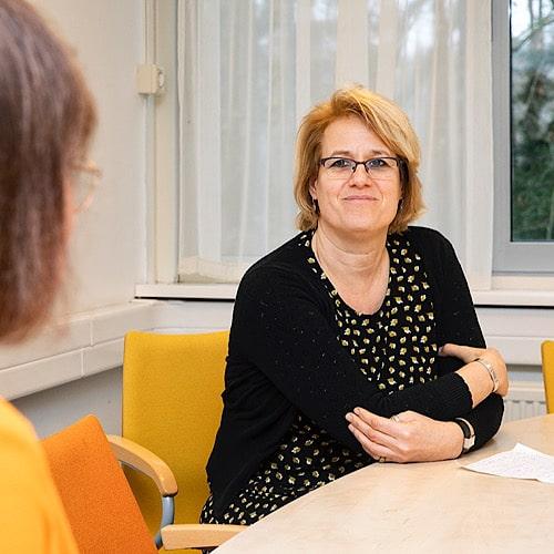 Anemoon Langenhoff interviewt in Hospice de Regenboog